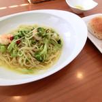 アーバー - 小海老とブロッコリーのペペロンチーノ