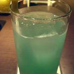 ジャズバー ストレイ ブルー ジャズ クラブ - ハート型のレモンがかわいいカクテル