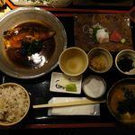 ろばたの炉 - サバの味噌煮定食