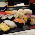 15882135 - 寿司 大盛り