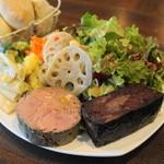 Abats. - 料理写真:2012.11 ランチの白レバーのパテ(950円)とホロホロ鶏レバーのブーダンノワール(950円)が1皿に盛られて