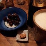 15889262 - タニシの酒蒸し2012,11