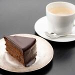 カフェ ミュゼアッシュ - チョコレートケーキセット