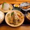 やまいち - 料理写真:本日の日替り定食 (840円) (ブリ照焼, ちくわ磯辺揚, アカイカ刺身, ご飯, みそ汁)