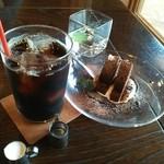 ガーデンカフェ 日日 - ケーキセット