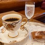 158909856 - カフェ シュバルツァー ¥1630-