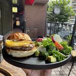 """158942406 - """"限定20食"""" 【9月のMonthly Burger】 『Geek Burger¥2890』"""