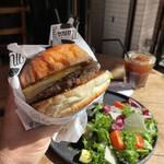 """158942437 - """"限定20食"""" 【9月のMonthly Burger】 『Geek Burger¥2890』"""