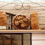 ル・ブーランジェ・ドゥ・モンジュ - 2012年11月店内には、バラのパン