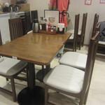 アリラン - テーブル席