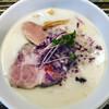 ヌードルズキッチン ガナーズ - 料理写真:貝だし白湯そば(+玉ねぎ)