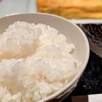 舞桜 - ご飯も硬く粒が立っていて、とっても好みです・・・隠れてお握りにできないか、思案したほどです(笑)