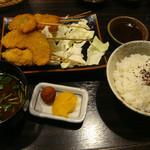 15900053 - 串定食