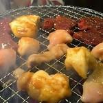 ホルモン焼き いっちゃん   - 食べ放題2280円小腸・丸腸・レバー