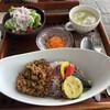 プラナス - 料理写真:3種類のランチの中から、キーマカレーをチョイス