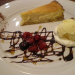 サンサンカフェ - 濃厚チーズケーキ