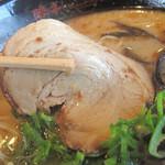 熊本ラーメン館 味千拉麺×桂花ラーメン - チャーシューは1枚。