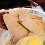 熊本ラーメン館 味千拉麺×桂花ラーメン - あっさりチャーシューは2枚。