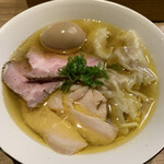 自家製麺 つきよみ - 特製塩ワンタン麺 1000円