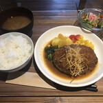 ハンバーグ家 シゲゾウ - 料理写真: