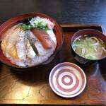 魚料理みうら - 料理写真:漬けチラシ丼 2021/9/24