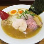 ラーメン屋 コカトリス - 料理写真:濃厚 鶏醤油ラーメン 800円
