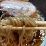 中華そば桐麺 - 不思議とスープと絡み合う♥️