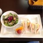 珈琲 遇暖 - ドリンク代にプラス240円のサンドイッチモーニング