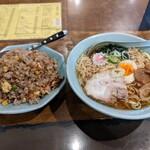 中華料理ハルピン - 料理写真: