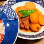 田原坂 - 栗と里芋の炊き合せ:フタ付きが嬉しい♪