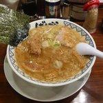東京豚骨拉麺 ばんから - 非常に脂が多い