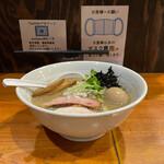 拉麺 瑞笑 - 料理写真:濃厚煮干しらーめん+味玉