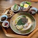 上木食堂 - 料理写真:主菜・副菜たち