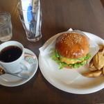 シービーバーガーアンドステーキ - アボカドチーズバーガー+コーヒー 1000円