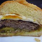 シービーバーガーアンドステーキ - 赤ワイン牛が美味しい♫