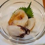 快食空間 makanaiya - 生タコ造り、ポン酢掛かってます