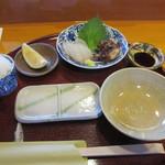 15915101 - 鯛の刺身と蛸の桜煮
