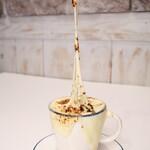 CAFE NOB - 天まで伸びる チーズオニオングラタンスープ