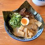 げんこつ - 料理写真:『げんこつラーメン』様(800円)