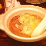 加賀廣 - モツ煮  昨日の食べたモノです。雨の中、ほぼ満席(ー ー