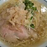 らーめん鱗 - 料理写真:塩ラーメン・大\800+\150
