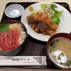 東都グリル - 料理写真:B定食(880円)チキンかつとまぐろ丼