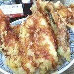 三浦屋 - かりっとした天ぷら。中はふかふか。