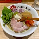 焼きあご煮干しらぁめん とびうお - 料理写真:「とびうおグリーン」¥850