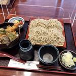 手打ちそば ニ丘 - 料理写真:もりそば大盛りと小天丼のセットで¥1300也。