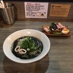 ラァメン コハク - 料理写真:イカ煮干しの黒ラーメン
