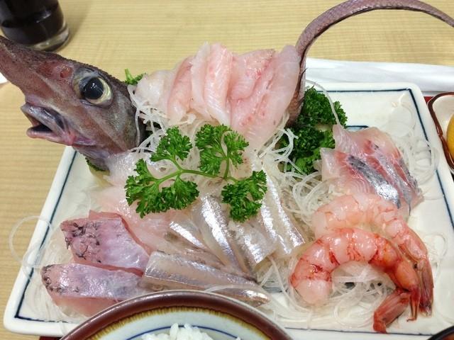 深海魚料理 魚重食堂 - 深海刺身アップ