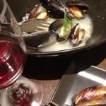 ラ ストラーダ - ムール貝の白ワイン蒸し