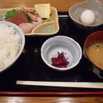 魚寅食堂 - 本日の刺身定食