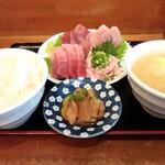 田中水産 - 料理写真:刺身定食(華)、ご飯大盛り、とん汁変更